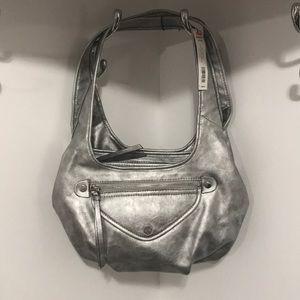 Handbags - NWT Simply Vera Vera Wang Side Kick Satchel